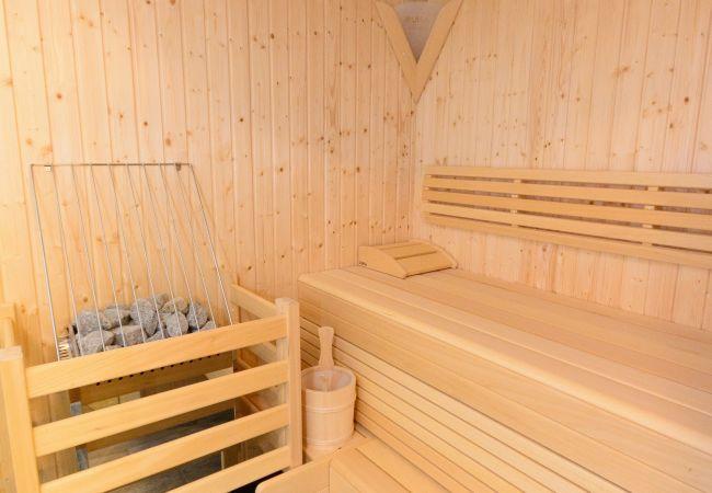 Ferienwohnung in Neukirchen am Großvenediger - Top 6, Ap. mit 3 SZ / Terrasse & priv. Sauna